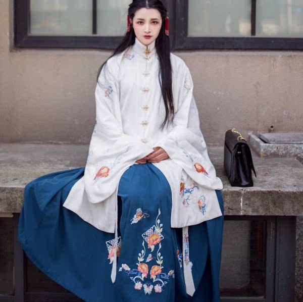 高定 司南阁画屏 立领琵琶袖长袄齐腰半裙重工绣花秋冬传统汉服女