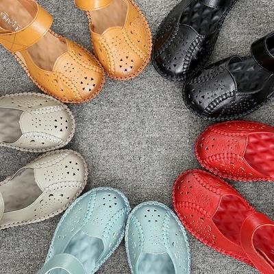 妈妈鞋子女夏平底2018新款夏季真皮软底舒适女式中老年包头皮凉鞋