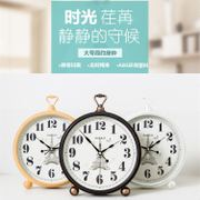 Creative sitting clock clock seat living room decoration European large simple modern clock desktop desktop clock bedroom pendulum clock
