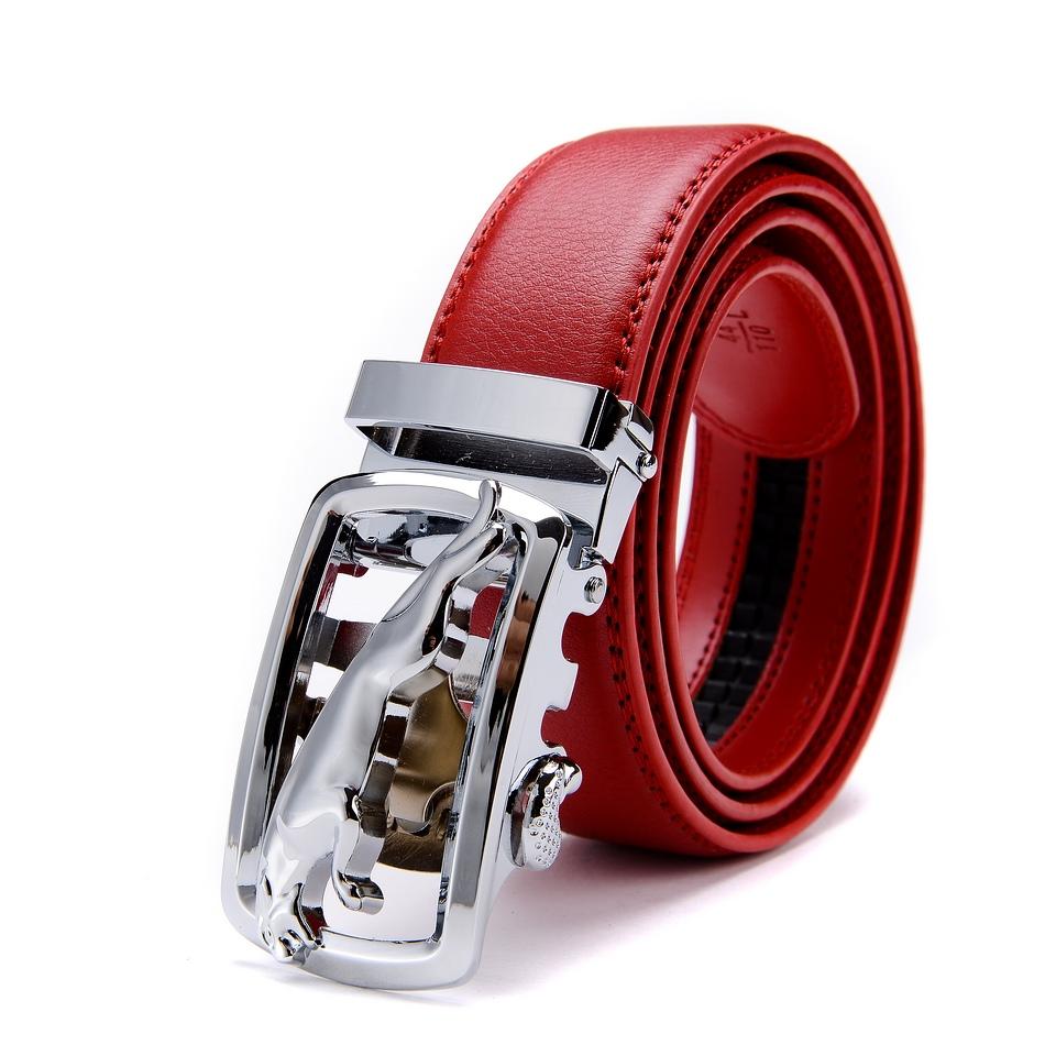 红色男式皮带