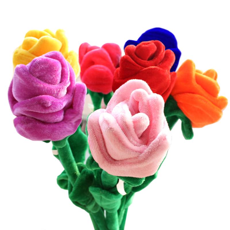 毛绒玫瑰花朵