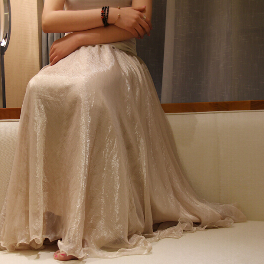 夏半身裙专柜