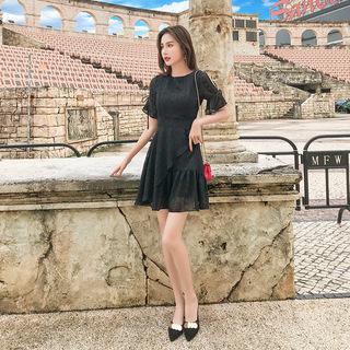 雪纺连衣裙夏2019新款韩版气质网红时尚女装收腰圆领喇叭袖A字裙