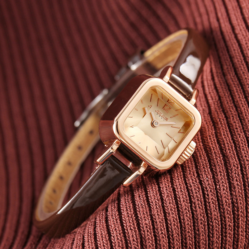 聚利时手表方形