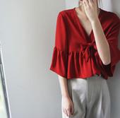 微蓬短款 温柔吸睛上衣 独家减龄复古石榴红V领蝴蝶结衬衫
