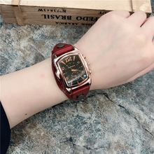 Watch Women's Style Fashion Student Korean Edition Simple New Fashion Style Retro Quartz Watch True Leather Couple