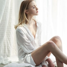 Female summer nightdress with less than full sexy nightdress, transparent and thin boyfriend's white shirt, long sleeve home dress and hot taste in autumn