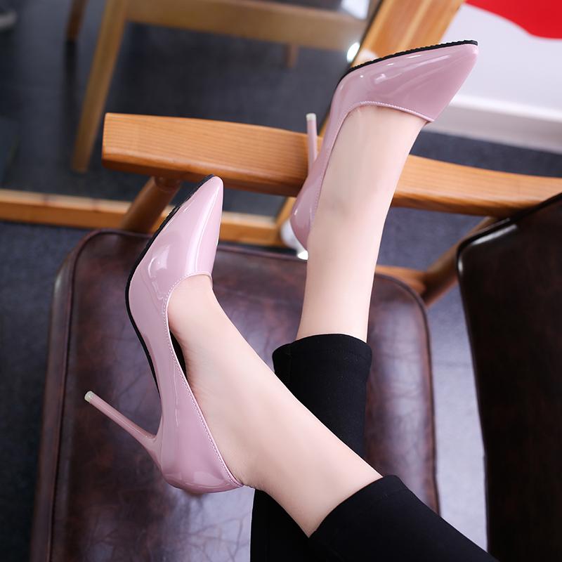 高跟亮面单鞋