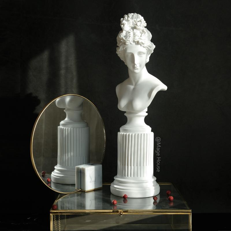 雕刻工艺品客厅