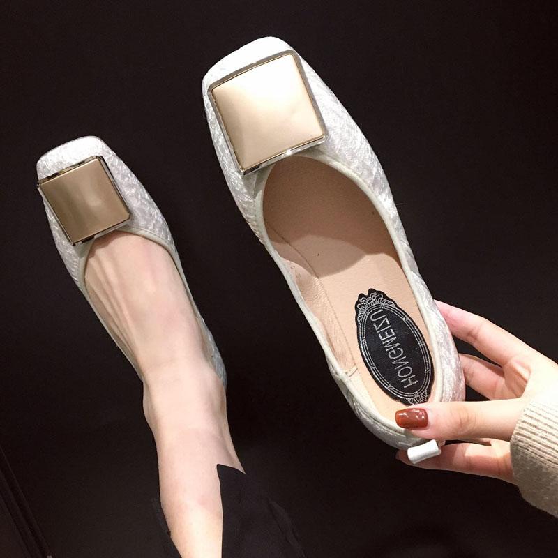 2019秋季新款平底单鞋女方扣平跟软底瓢鞋浅口奶奶鞋白色方头女鞋