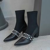 2019新款秋冬尖头珍珠袜子靴复古粗跟瘦瘦靴拼接中跟短靴连袜靴女