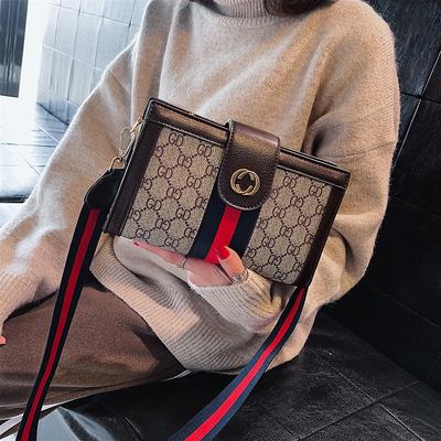ins包包女2018新款潮韩版印花小方包chic时尚撞色单肩手拿信封包