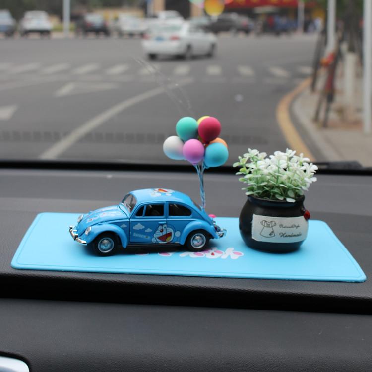 可爱哆啦A梦机器猫回力车小叮当猫合金车模玩具汽车模型装饰摆件
