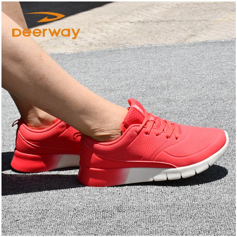 德尔惠女运动鞋