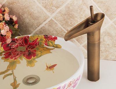 全铜欧式复古面盆冷热水龙头 艺术台上盆瀑布酒杯仿古水龙头