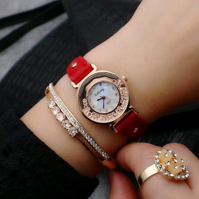 流沙水钻女士手表百搭闺蜜女表韩版流行皮带石英表是什么档次