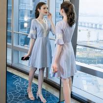 奢姿2019夏季新款大码欧美女装200斤胖妹妹时尚拼接中长款连衣裙