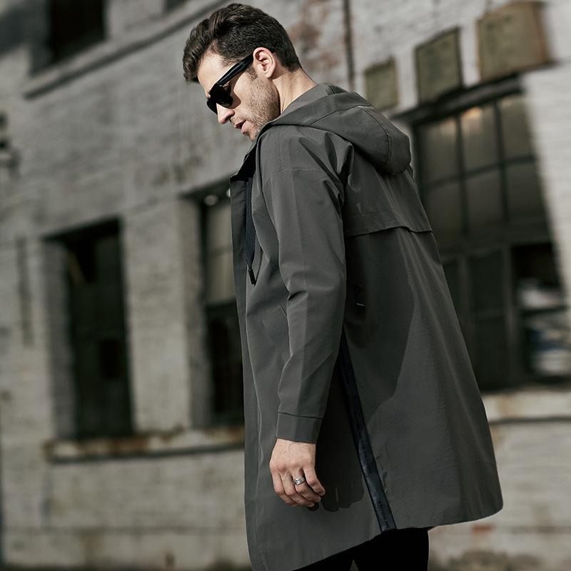 黑色青年风衣