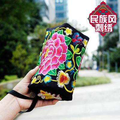 2018新款民族风绣花包包刺绣斜挎手机零钱包小包中老年女包手拿包