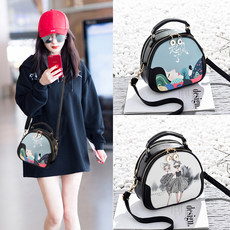 2019 new fashion trend summer style versatile foreign style lady shoulder bag cross-body bag