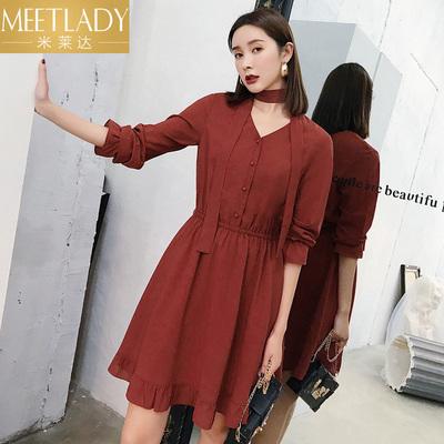 米莱达2018秋季新款 优雅chic束腰褶皱V领灯笼袖修身纯色连衣裙女