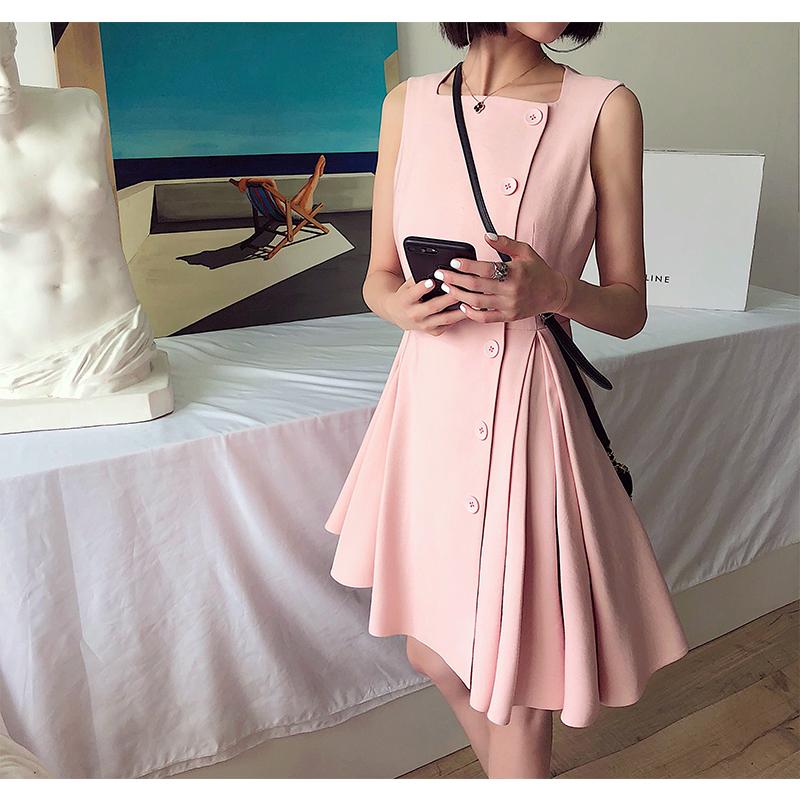 无袖不对称连衣裙