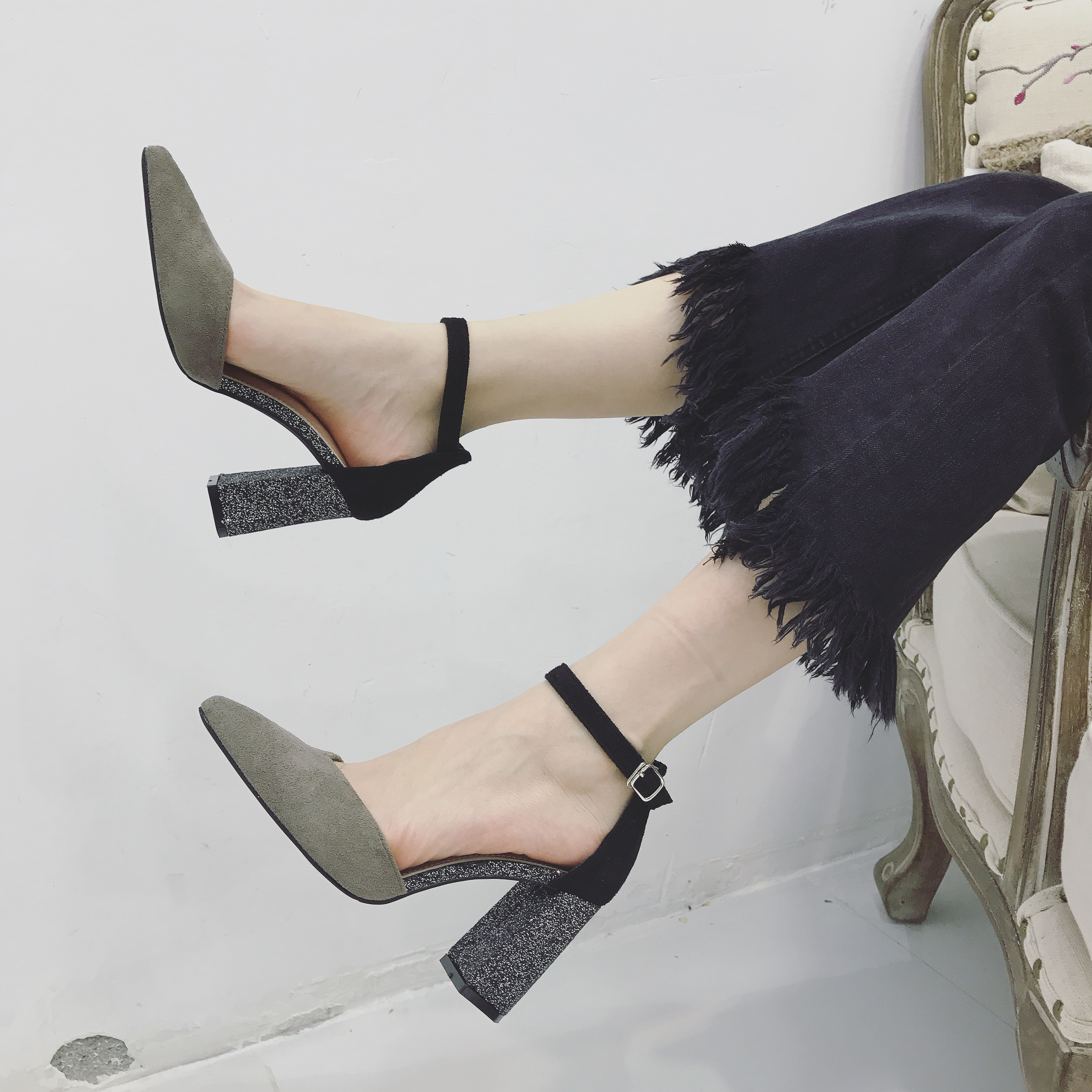 高跟鞋_韩版一字扣尖头绒面高跟鞋1元优惠券