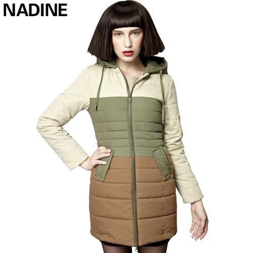 大码加厚棉大衣女士秋冬连帽保暖外套时尚撞色拼接中长款修身棉服