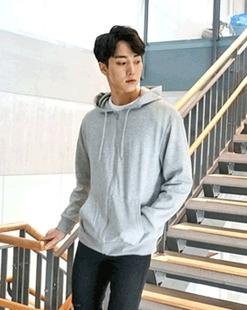 一05韩国官网Mutnam-UTHD01394923(31865)男卫衣