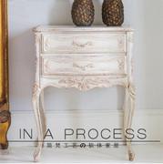 美式乡村实木雕花床头柜新古典公主房床边柜法式做旧两抽储物柜