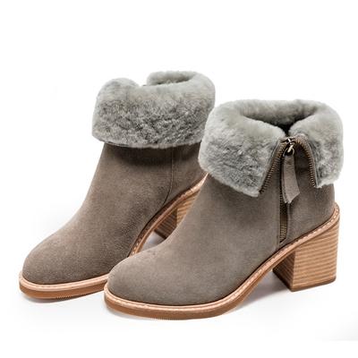 2017秋季新款灰色毛毛短靴 百搭牛翻皮靴子加绒马丁靴女粗跟女靴