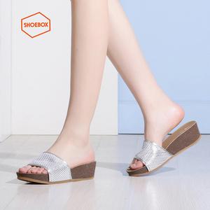 Daphne/达芙妮旗下 SHOEBOX/鞋柜时尚舒适坡跟女拖鞋1116303025