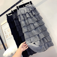 In early autumn of 2018, the new super-hot fashion, loose waist, bright silk layer by layer, cake half-length skirt for women with high waist and medium-length skirt