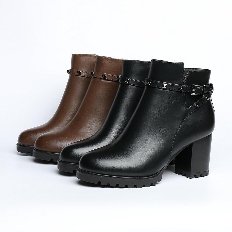 卓诗尼冬靴2017新款短靴女粗跟高跟铆钉防水台圆头靴子126711606