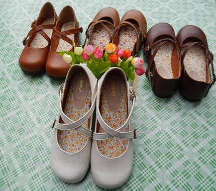 日系搭扣女鞋