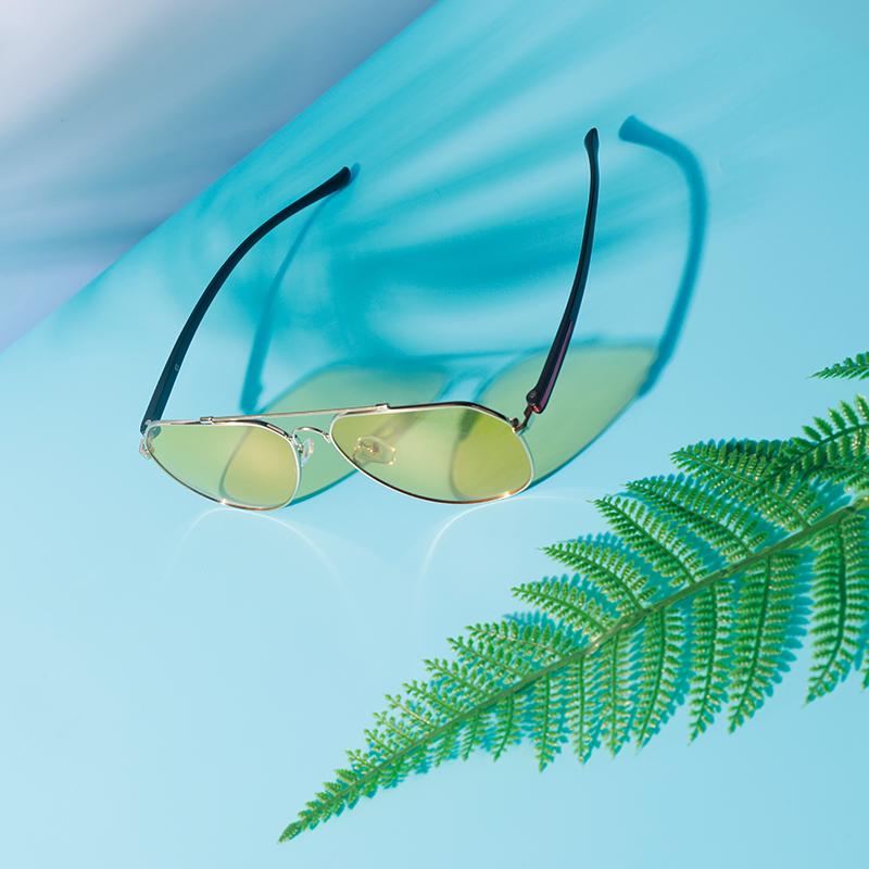上海美人鱼全天候感光变色镜钓鱼眼镜记忆合金镜架太阳镜偏光镜