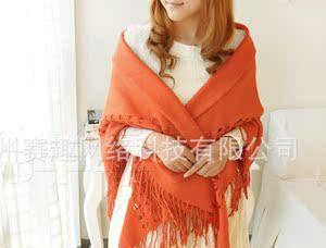 冬季镂空羊绒大方巾三角围巾女士加厚保暖纯色钩花流苏正方形披肩