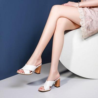 欧美女士凉拖女夏外穿时尚高跟粗跟拖鞋室外真皮外出百搭防滑白色