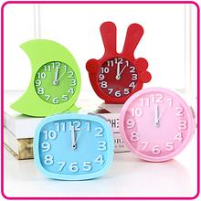 卡通创意个性学生儿童钟表床头静音石英钟客厅小摆件闹钟电子时钟