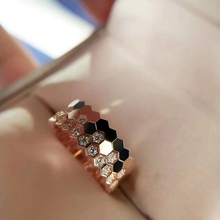 925 Platinum-plated 18K Rose Gold Sandmebee My Love Honeycomb Girl Ring with Triple Diamonds