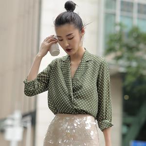 王东夏秋波点衬衫女GUAN东1995复古风大码衬衣西装领外套长袖上衣