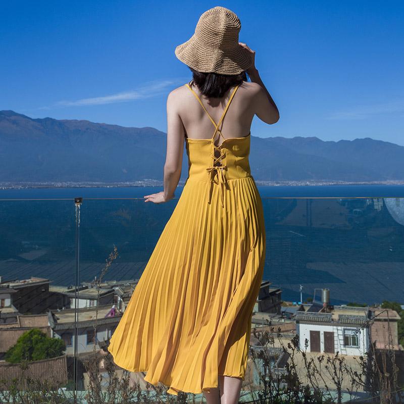 吊带百褶沙滩裙