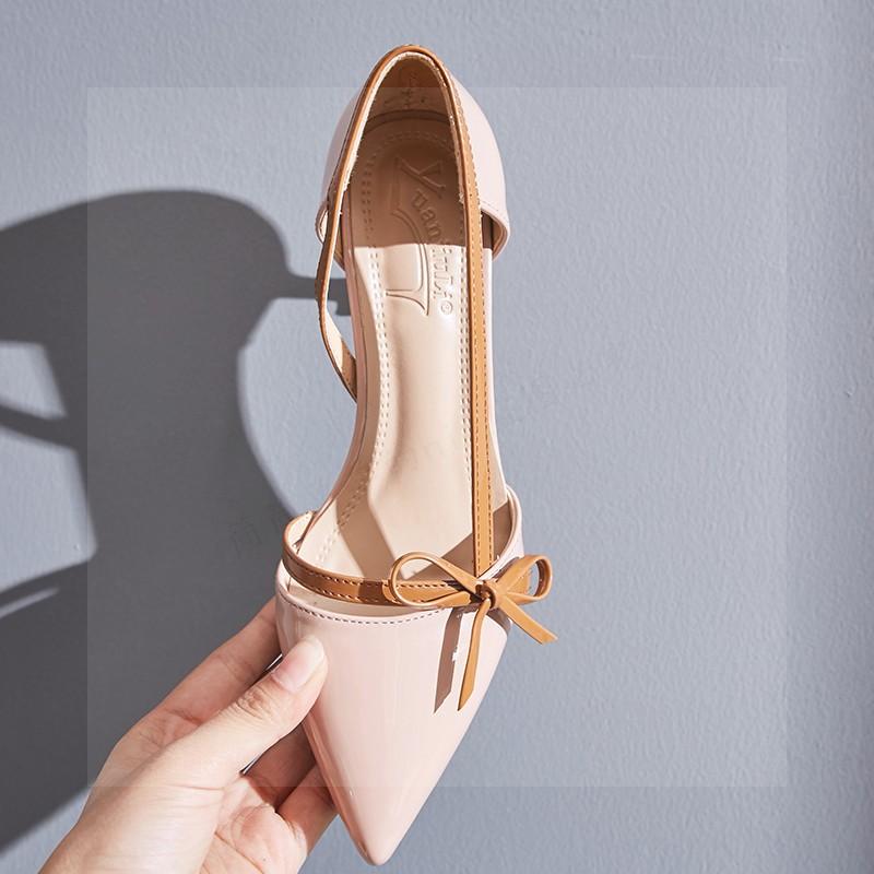 淺口漆皮細跟鞋