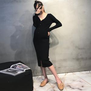 孕妇秋装连衣裙潮妈V领针织哺乳裙中长款修身毛衣韩版秋冬打底衫