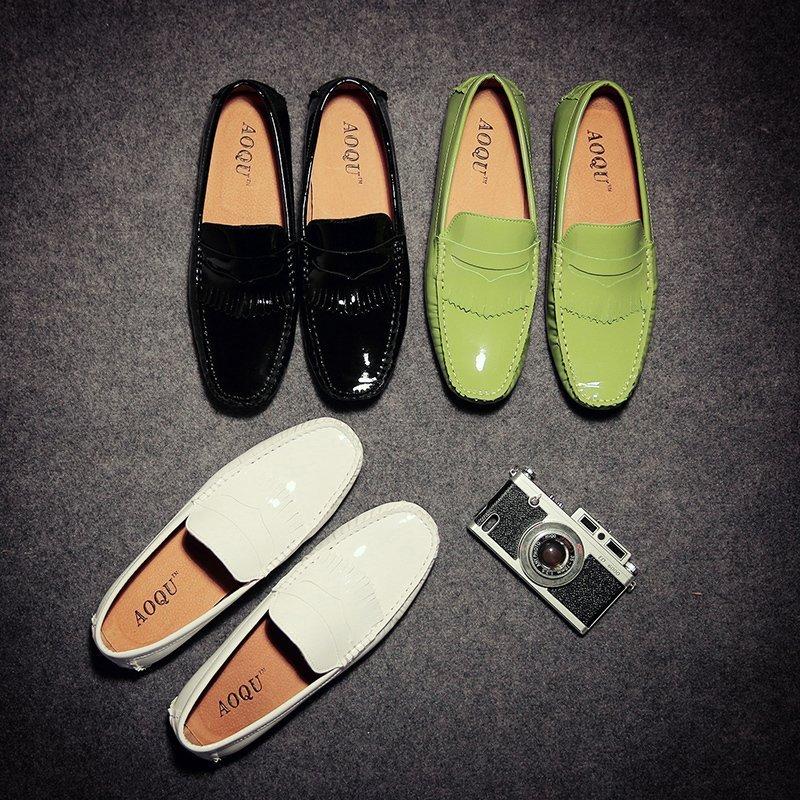 光面黑色皮鞋