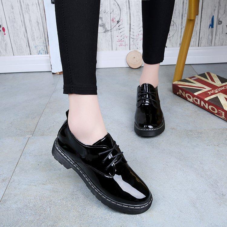 漆皮亮面皮鞋女