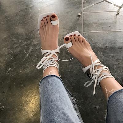 欧美2018新款LIN同款大牌方头夹趾粗跟白色绑带凉鞋高跟鞋女百搭
