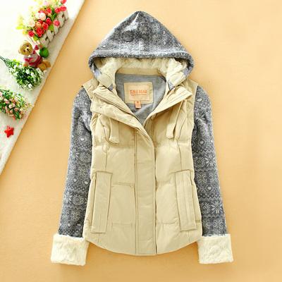 小熊维尼少女初中学生冬装学院风百搭可脱卸帽可脱卸袖保暖羽绒服多少钱