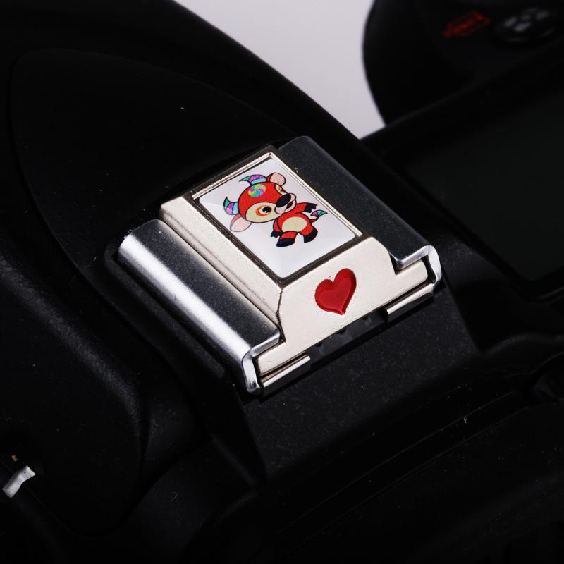 适用佳能800D/760D金属热靴盖滴胶生肖吉祥牛卡通创意保护盖银色