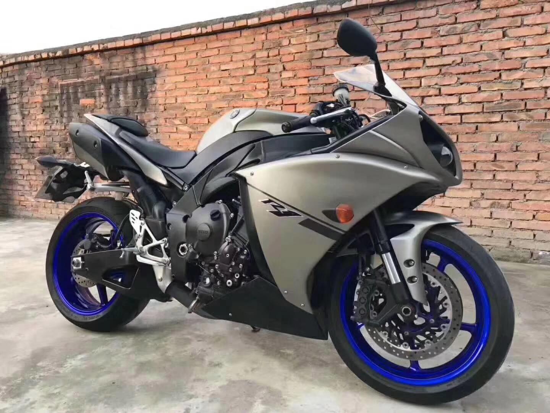 本田cbr600摩托车跑车
